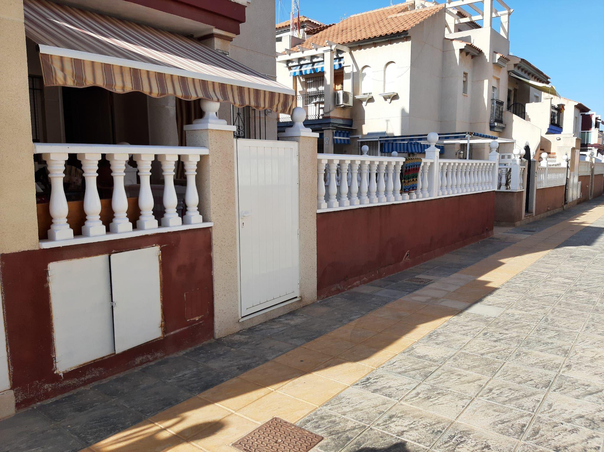 REF-1743 Adosado en Venta Alicante  (Orihuela costa )